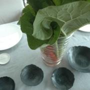Porzellan handgemacht-Tischdecken mit Porzellan und Rhabarber